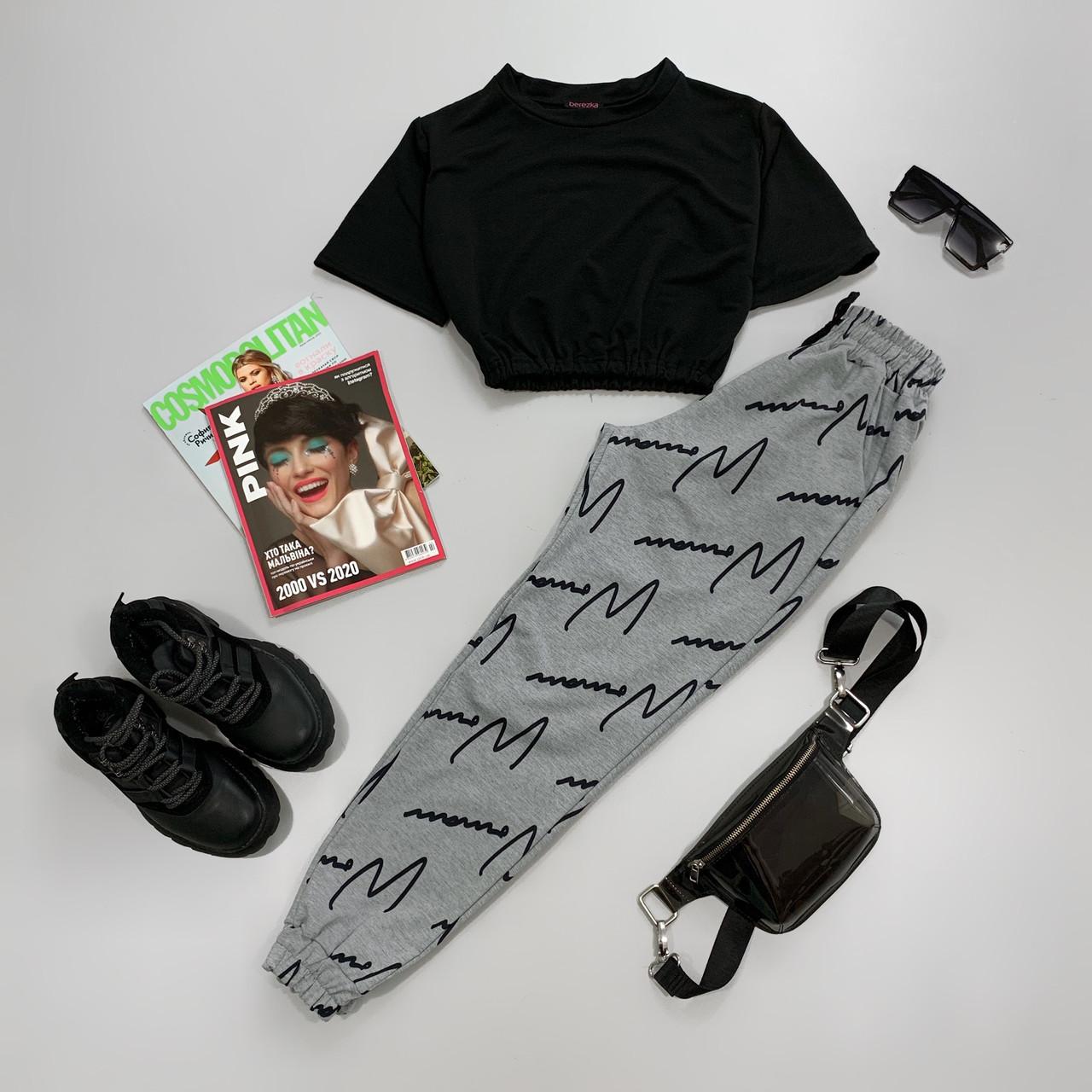 Женский брючный летний костюм с принтованными штанами и черным топом с рукавом 6610691Е