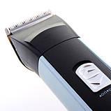 Аккумуляторная машинка для стрижки волос Kemei KM 2399, фото 3