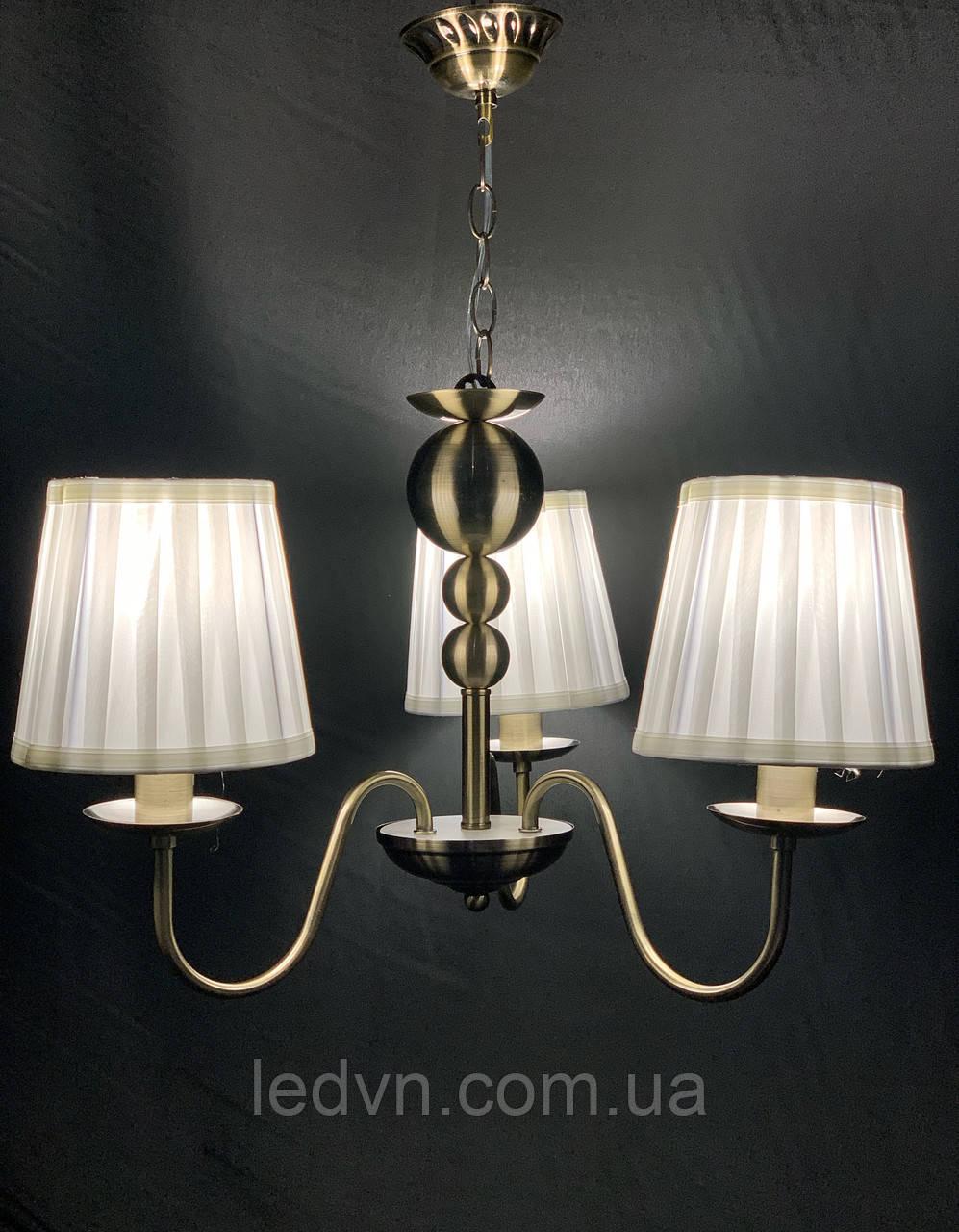 Классическая подвесная люстра с абажурами на 3 лампы бронза