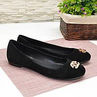Туфли женские черные замшевые, декорированы металлическим бантиком. 41 размер