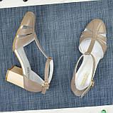 Женские кожаные босоножки на устойчивом каблуке, цвет визон, фото 2