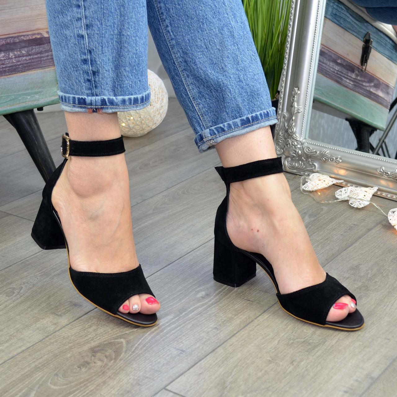 Босоножки женские замшевые на устойчивом каблуке, цвет черный