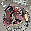 Женские босоножки на каблуке, натуральная кожа и замша с лазерным напылением бордового цвета, фото 2
