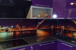 Стеклянный кухонный фартук ночной город купить в Харькове