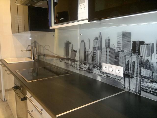 Стеклянный кухонный фартук — 13595577