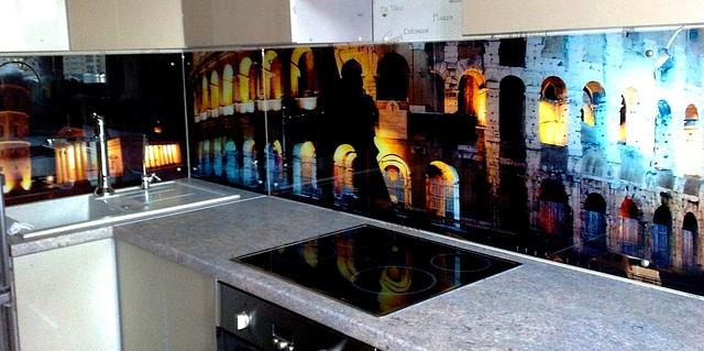 Стеклянный кухонный фартук Колизей купить в Кировограде