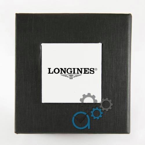 Коробочка с белым квадратом с логотипом L.o.n.g.i.n.e.s