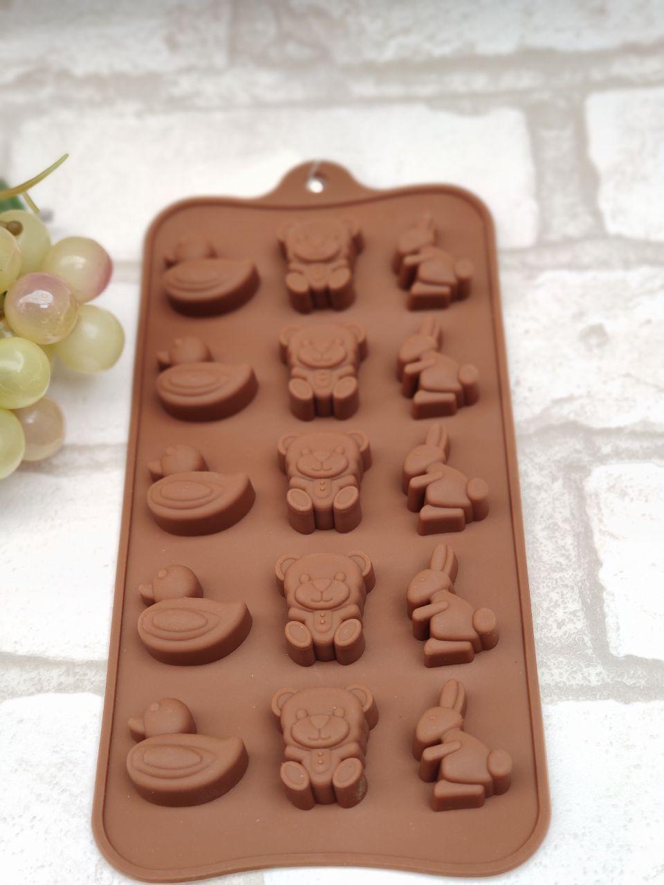Силиконовая форма для желеек и конфет 20*10*1 см., 50/35 (розничная цена за 1 шт.+15 гр.)