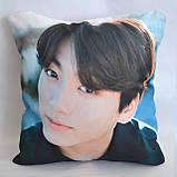 """Подушка k-pop 40х40 см із змінною наволочкою """"BTS"""" Чонгук, фото 2"""