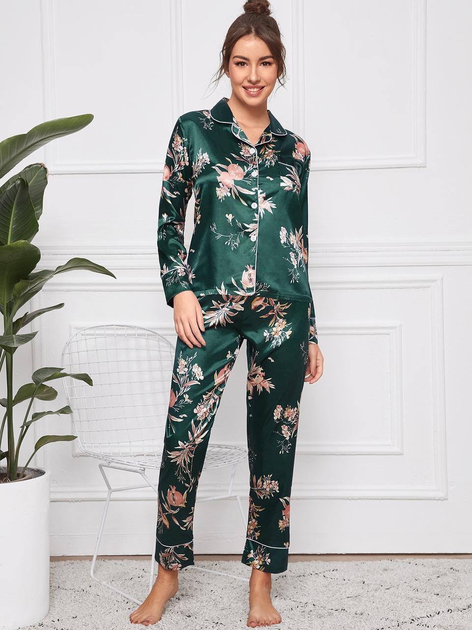 Пижама женская атласная на пуговицах. Комплект шелковый для дома, сна с длинным рукавом (зеленый) L