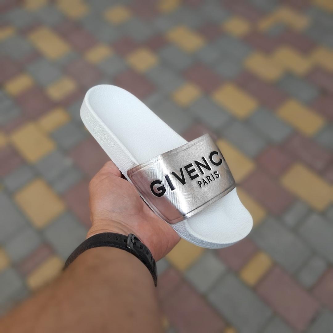 Женские летние шлепанцы Givenchy (бело-серебристые) 50008