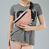 Удобная женская поясная, наплечная сумка бананка на пояс, через плечо экокожа светло-розовая, пудра, фото 4