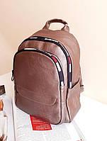 Жіночий чорний рюкзак з шкірозамінника