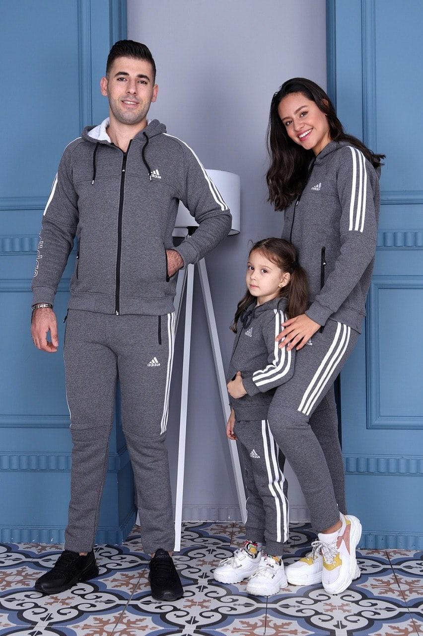 Стильний костюм чоловічий і жіночий сірий