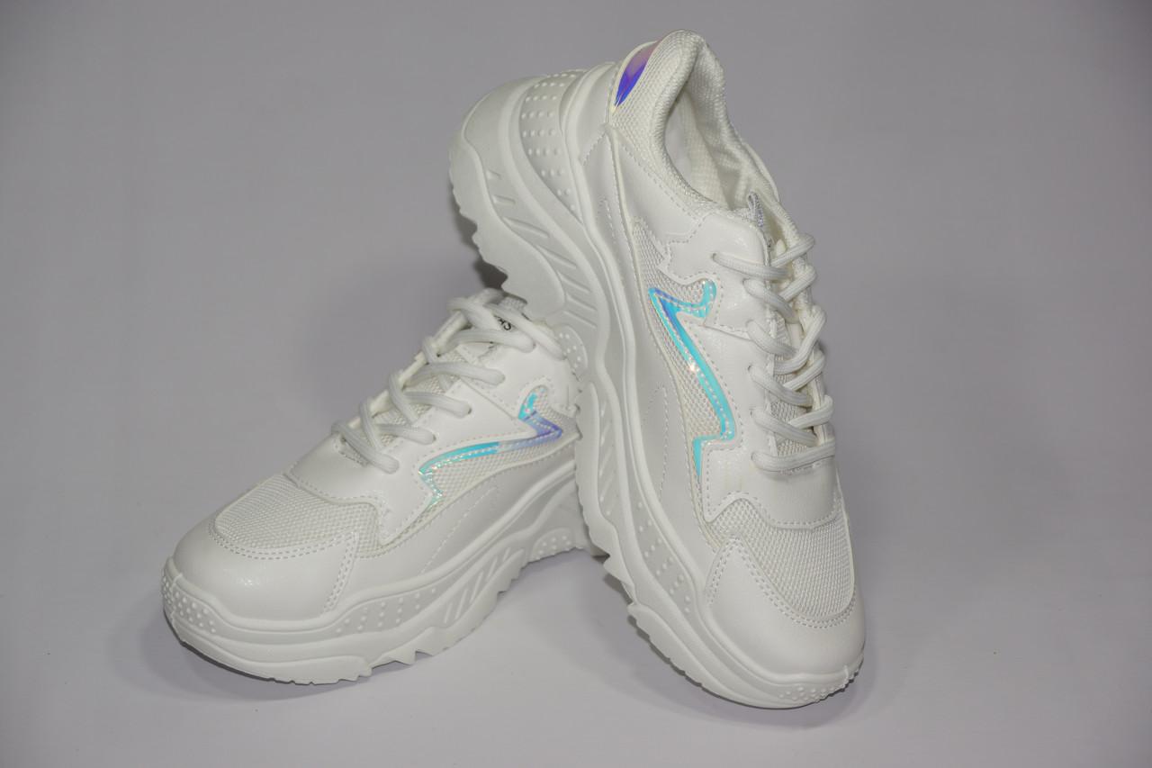 Кросівки на високій підошві