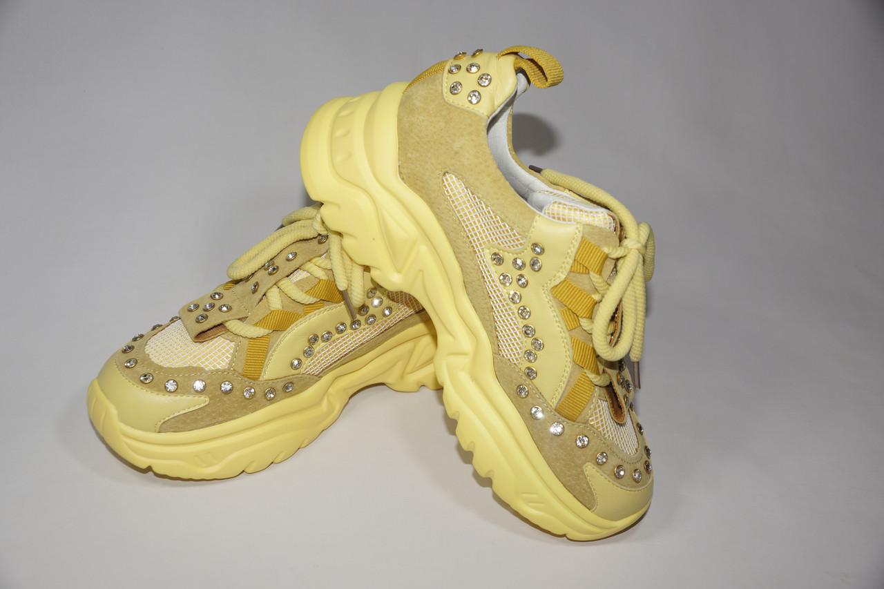 Натуральні жіночі кросівки в каменях