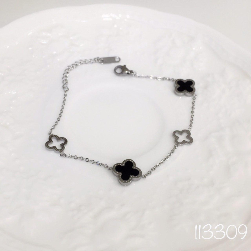 Браслет clover black