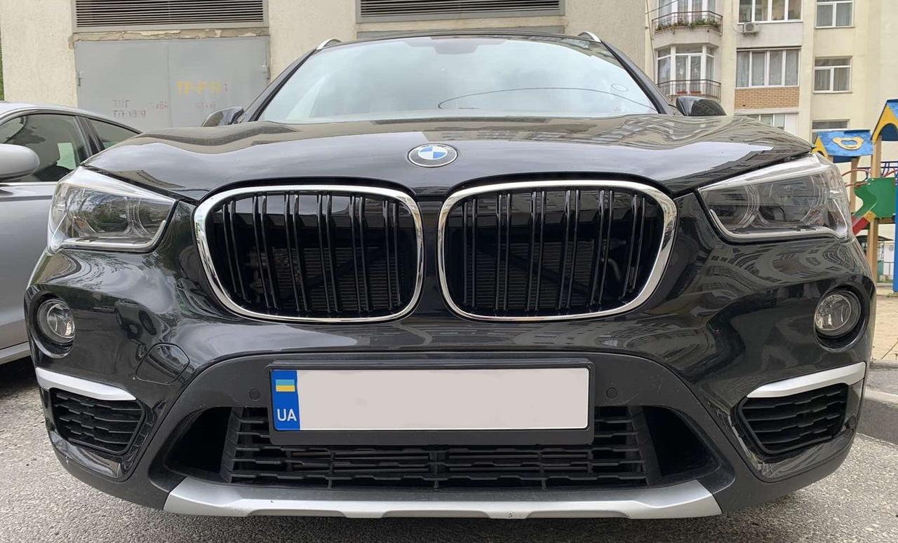 Решетка радиатора BMW X1 F48 ноздри стиль M (хром рамка)