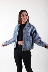 Джинсовая куртка оверсайз с накладными карманами
