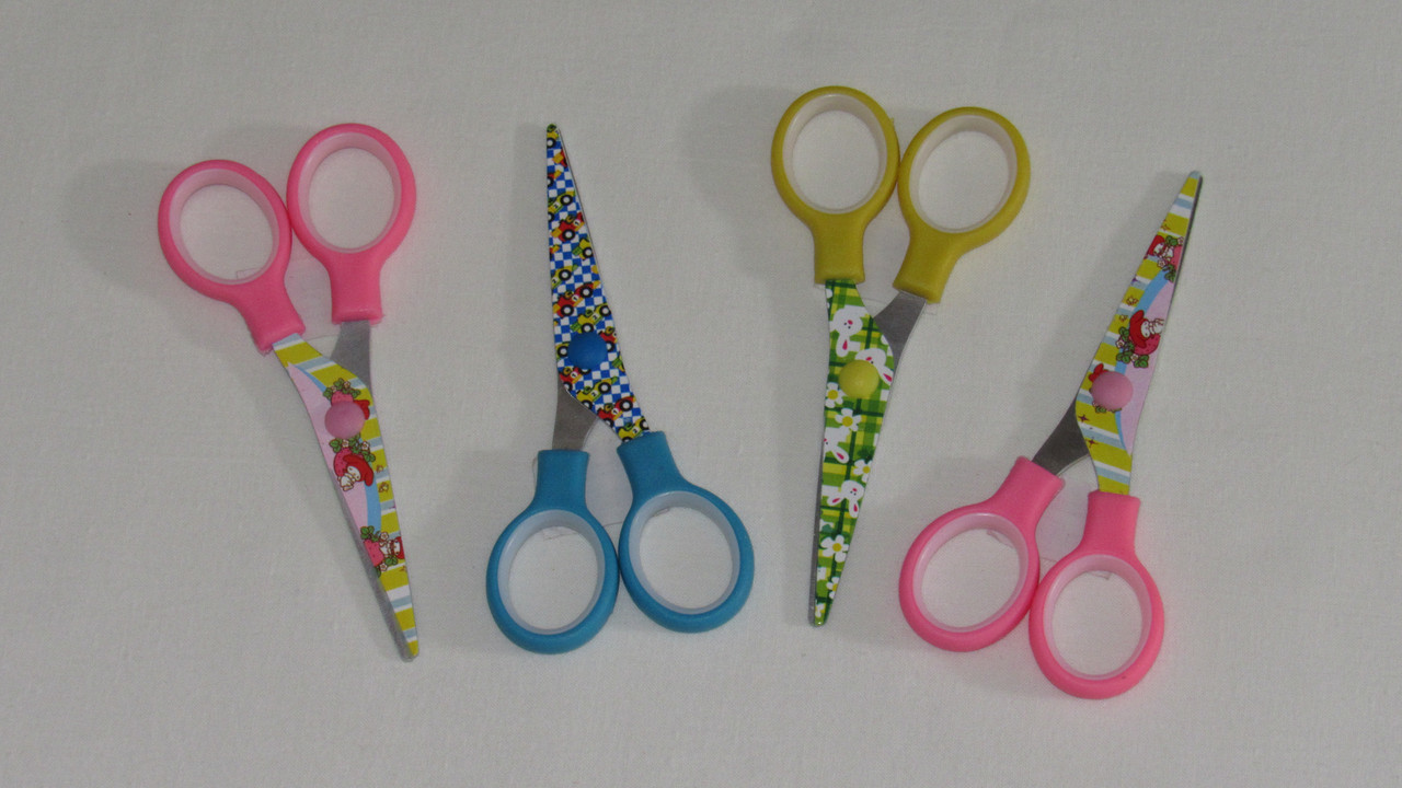 Детские ножницы с цветными ручками метал 13 см 15499