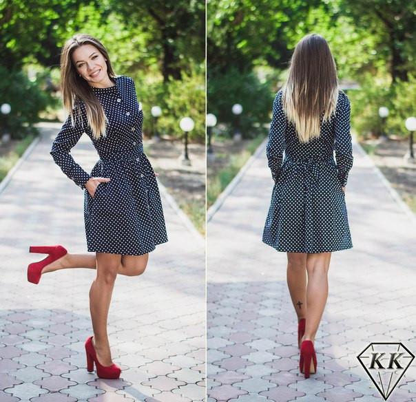 Короткое платье в мелкий горох