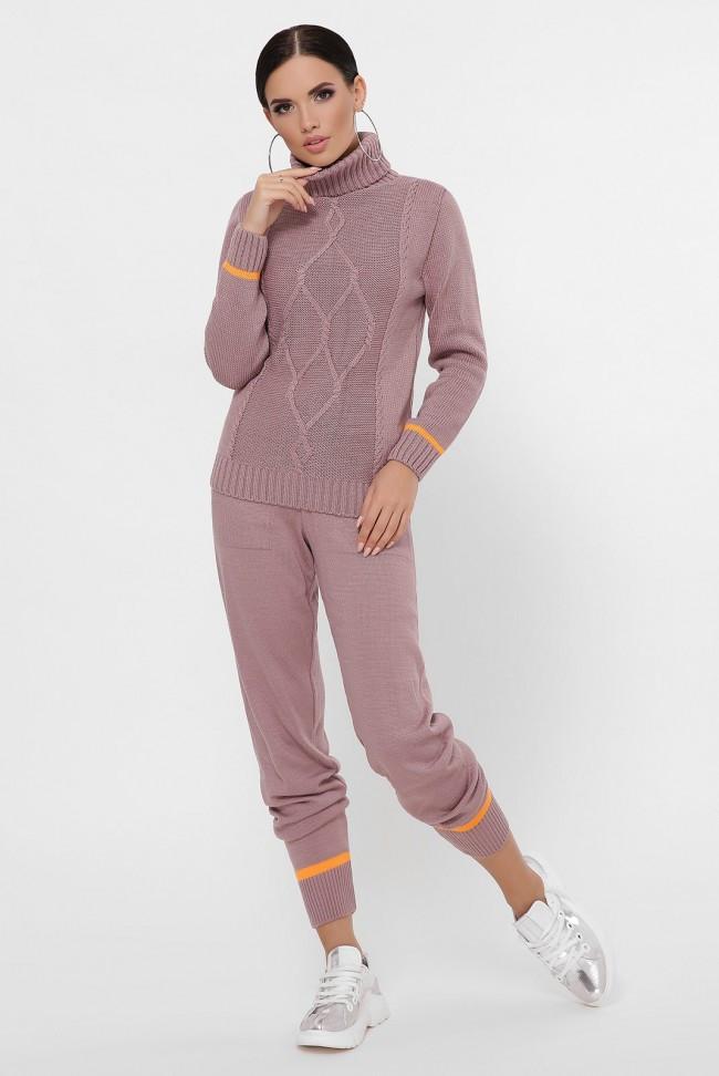 Женский вязаный костюм - свитер и брюки на манжетах цвет темная пудра