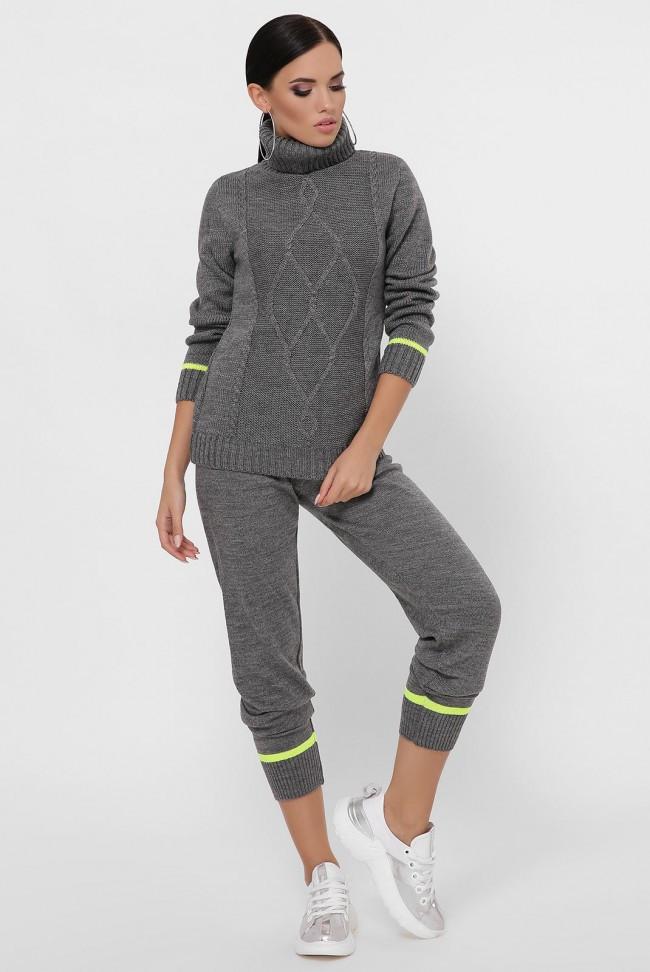 Женский вязаный костюм - свитер и брюки на манжетах цвет графит