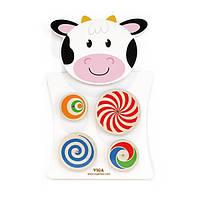 Настенная развивающая игрушка для малышей бизиборд Монтессори Viga Toys Корова с кругами, белый