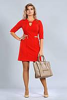Женское платье с каплей на груди яркого красного цвета