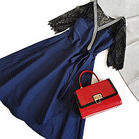 Платье синее с запахм в мелкий горошек, кружевные рукава (46 р)