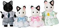 Набор Сильвания Фемели Семья Чёрно- белых котят, Tuxedo Cat Family