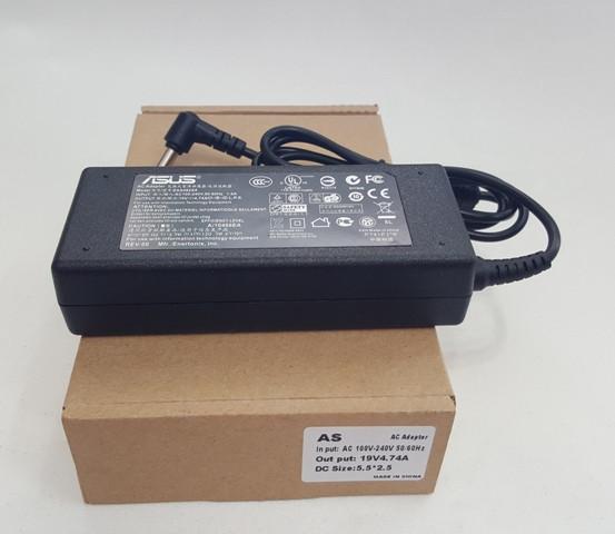 Asus блок живлення для комп'ютера 19V 4,74 A 5,5* 2,5