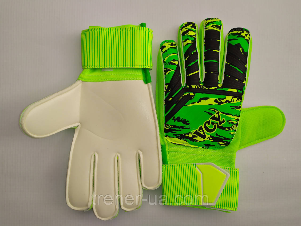Воротарські рукавички юніор із захисними вставками на пальці