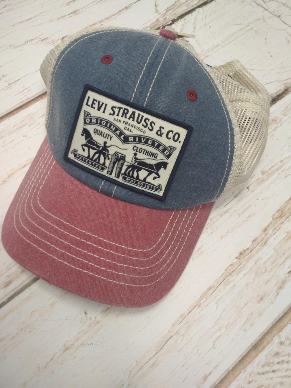 Стильная бейсболка Levi's® 2 Horse Trucker Cap оригинал