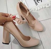 Туфлі бежеві лаковані жіночі на каблуку з ремінцем. 39р, фото 1