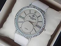 Женские кварцевые наручные часы Patek Philippe на кожаном ремешке