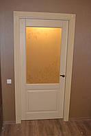 Двери из массива сосны со стеклом