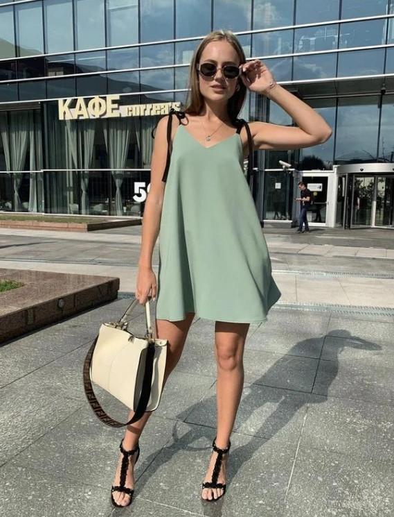 Легкий свободный короткий платье сарафан-трапеция оливковый (зеленый)