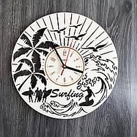 Круглые интерьерные настенные часы 7Arts из дерева Серфинг CL-0237, КОД: 1474387