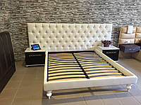 Двуспальная Кровать Monroe 160*200 с мягким длинным изголовьем
