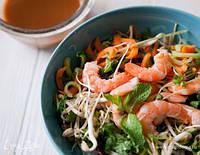 Салат із фунчози з креветками