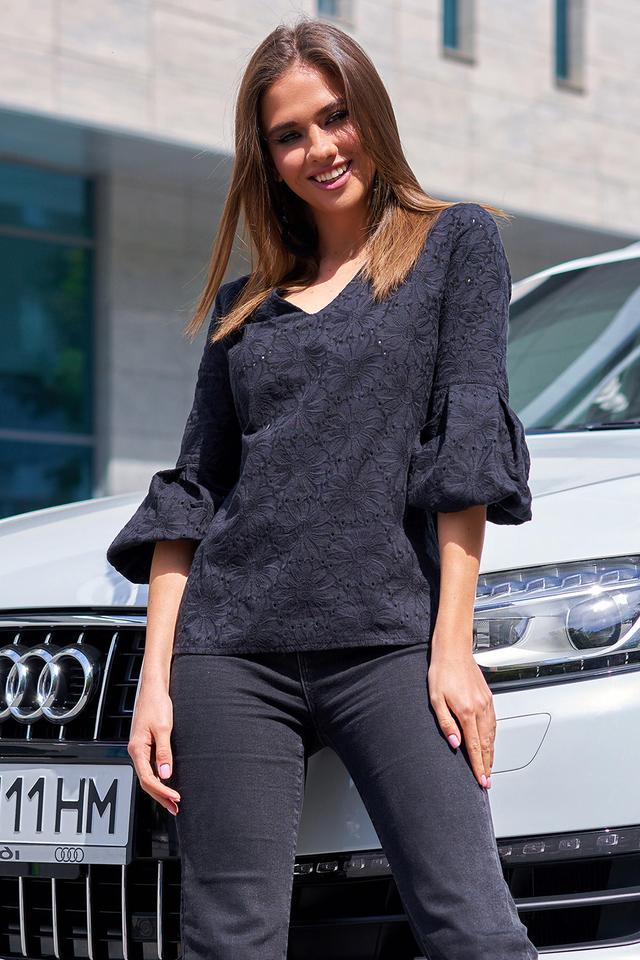 Женская чёрная хлопковая блузка
