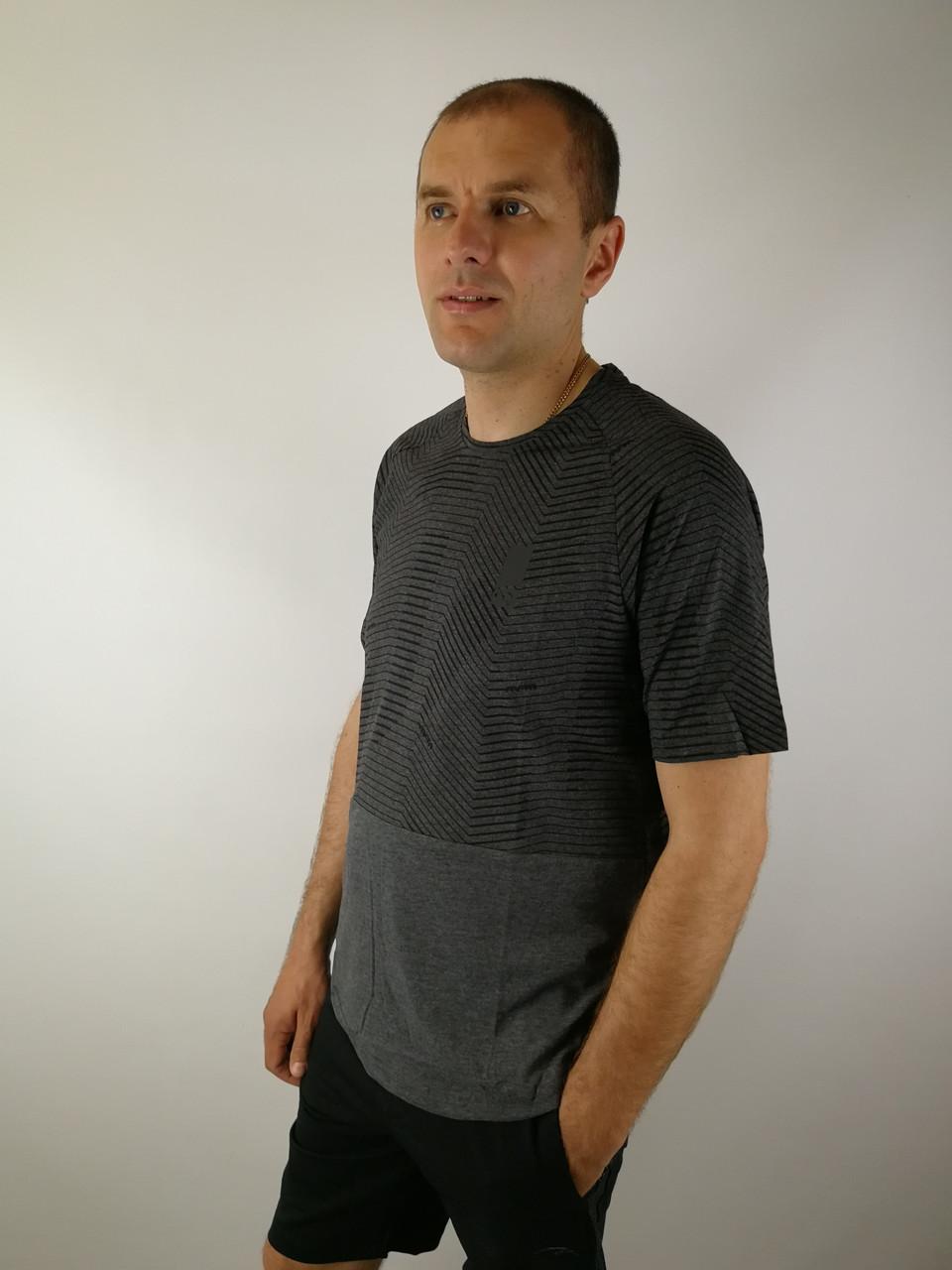Трикотажная мужская футболка