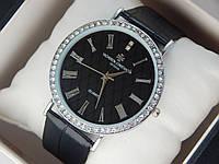 Женские (Мужские) кварцевые наручные часы Vacheron Constantin на кожаном ремешке со стразами, фото 1