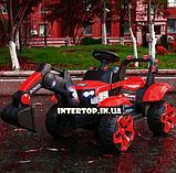Детский электромобиль Трактор с подвижным ковшом и подсветкой Bambi M 4263EBLR-3 красный, фото 2