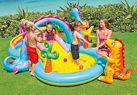 """Водный надувной игровой центр """"Планета динозавров"""", с горкой, душем и надувными игрушками, (333x229x112 см)"""