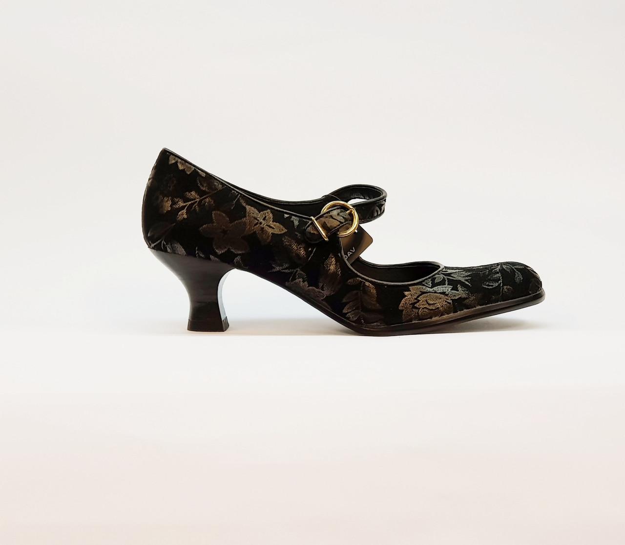 Туфли женские весна-осень на среднем каблуке натуральная замша черные