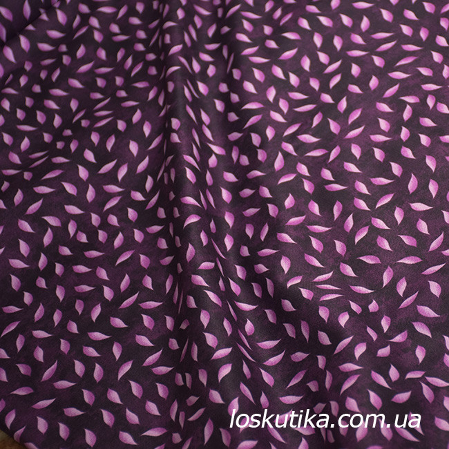 56004 Сиреневые листопад. Ткань с изображением листочков. Натуральные ткани с рисунком.