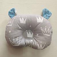 Ортопедическая подушка для младенца masterwork холофайбер 24*32 см. короны с голубыми ушками