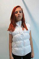 Жилетка женская Adidas 86388 белая с капюшоном код 674а